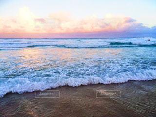 夕方の海の写真・画像素材[1525323]