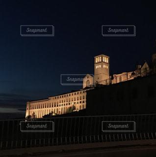 城の夜間ライトアップの写真・画像素材[2081995]