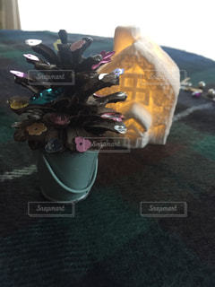 松ぼっくりツリーの写真・画像素材[1668678]