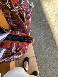 赤白と青の靴の写真・画像素材[1509825]