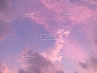 ピンクパープルな空の写真・画像素材[1653391]