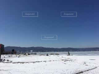 雪に覆われたビーチ - No.1001043