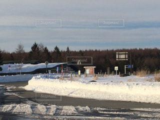 雪に覆われたフィールド - No.1017335
