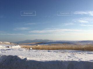 雪に覆われたフィールド - No.1017355