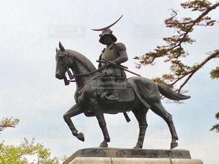 No.565933 銅像
