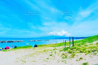 海の横にある砂浜のビーチの写真・画像素材[722246]