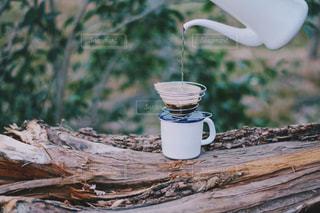 自然の中で入れたコーヒーの写真・画像素材[1825000]