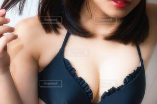 近くの女性のアップ - No.1060978