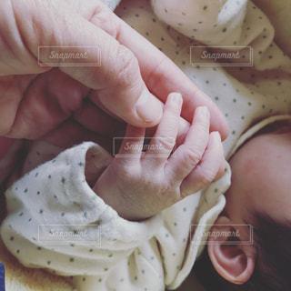 初めての握手の写真・画像素材[581766]
