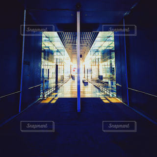 建物は夜ライトアップの写真・画像素材[909439]