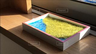 テーブル上のボックス - No.926065