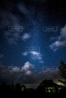 暗い曇り空の雲の写真・画像素材[765920]