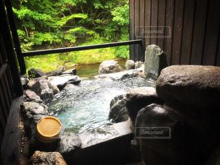 貸切露天風呂の写真・画像素材[614028]