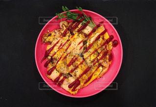 鶏むね肉のオレガノピカタの写真・画像素材[1082983]