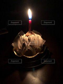 キャンドルとケーキの写真・画像素材[1633117]
