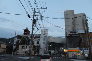 街の通りに信号機の写真・画像素材[756620]