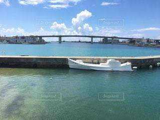 沖縄の海、糸満漁港 - No.749718