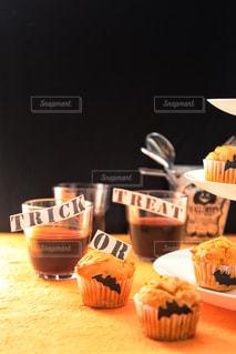 ハロウィンにお菓子作りの写真・画像素材[1580384]