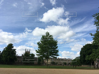 オックスフォードの空の写真・画像素材[598118]