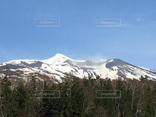 雪山の写真・画像素材[595076]