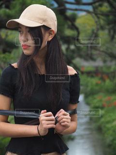 帽子をかぶっている女性 - No.1038194