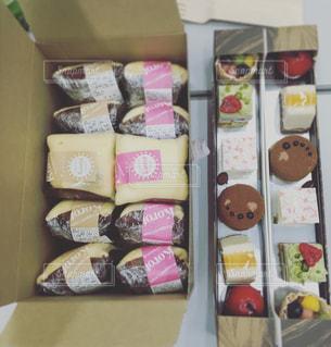 料理の種類でいっぱいのボックスの写真・画像素材[1222280]