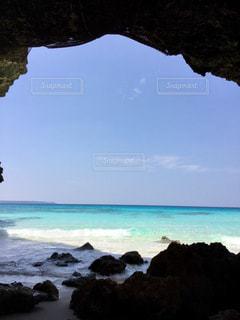 青空 青い海  エメラルドグリーン  きれい 海  沖縄  宮古島の写真・画像素材[601025]