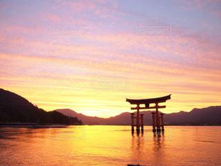 厳島神社の夕焼けの写真・画像素材[750848]