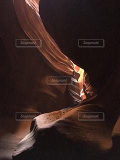 アンテロープキャニオンの光の写真・画像素材[937342]