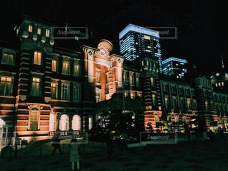 東京駅のライトアップの写真・画像素材[953502]
