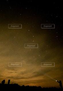 星空の下の写真・画像素材[1047585]