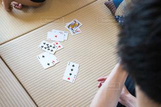 テーブル トランプゲームの写真・画像素材[1320288]