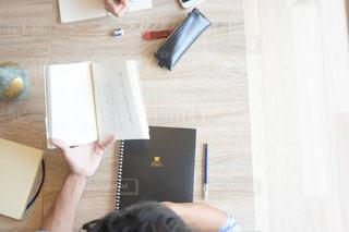テストの勉強 読書の写真・画像素材[1323122]