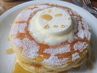 ホットケーキ メープルシロップの写真・画像素材[1354011]