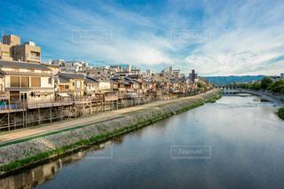 京都の鴨川の写真・画像素材[1410707]