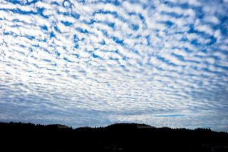 いわし雲 うろこ雲の写真・画像素材[1498708]