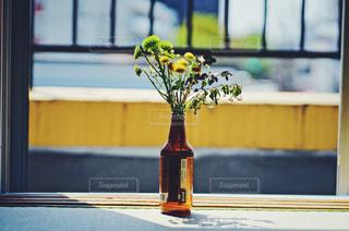 花瓶の花の写真・画像素材[2048857]