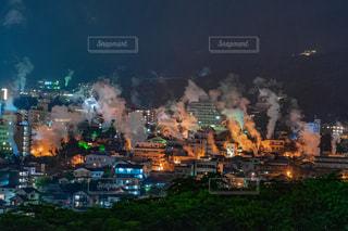 大分県別府市鉄輪温泉の夜景の写真・画像素材[2280901]
