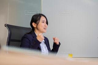 面接をする女性の写真・画像素材[2972395]