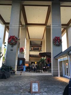 ヒルトンハワイアンヴィレッジ クリスマス ニューイヤー お正月 元旦 エントランス ハワイ ホノルルの写真・画像素材[605652]