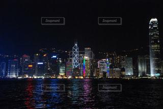 夜の街の景色の写真・画像素材[1028598]