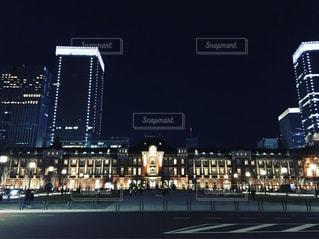 夜の街の景色の写真・画像素材[1716402]