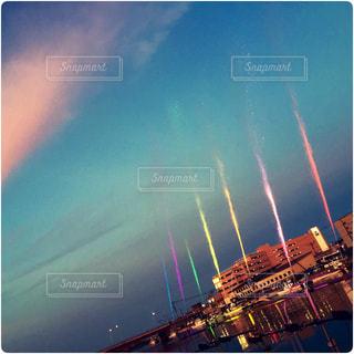 港町の夜に虹がかかったの写真・画像素材[756167]