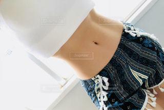 青と白のシャツの写真・画像素材[1239761]