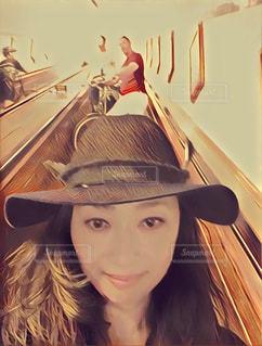 旅行 ヨーロッパ アントワープ 有名 観光地 自撮り 女の写真・画像素材[610189]