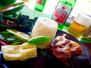 バリ島 食事 インドネシアン 料理 ビール カラフル 美味しい 景色 観光地の写真・画像素材[610641]