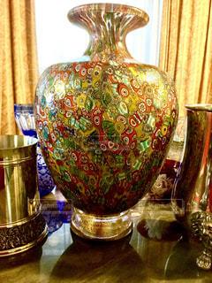 クリスタルグラス 花瓶 ベネチアグラス 花瓶 黄金 黄色 カラフル 美しい 旅行の 記念の写真・画像素材[612279]