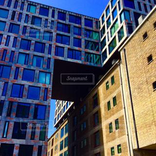 旅行 建築 美しい カラフル 青空 幸せ 一人 旅  ヨーロッパ オランダ アムステルダム 夏  Travel  Architecture  Beautiful  colorful  blue sky  happy  alone travel Europe Netherlands amsterdam summerの写真・画像素材[612350]