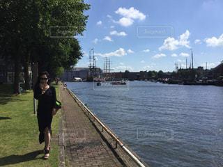 旅行 運河 夏 ヨット ヨーロッパ オランダ アムステルダムの写真・画像素材[612370]