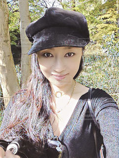 自撮り 楽しい 黒 帽子 ロング ヘアー  ウキウキHappy smile  me - No.618150